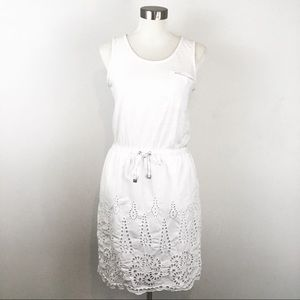 Two by Vince Camuto White Casual Sleeveless Dress